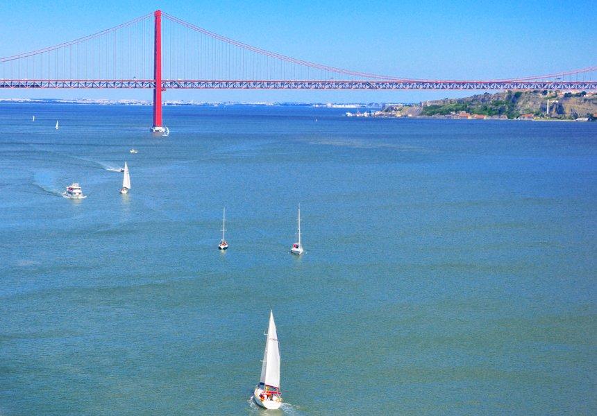 Lisbon 25 de Abril Bridge