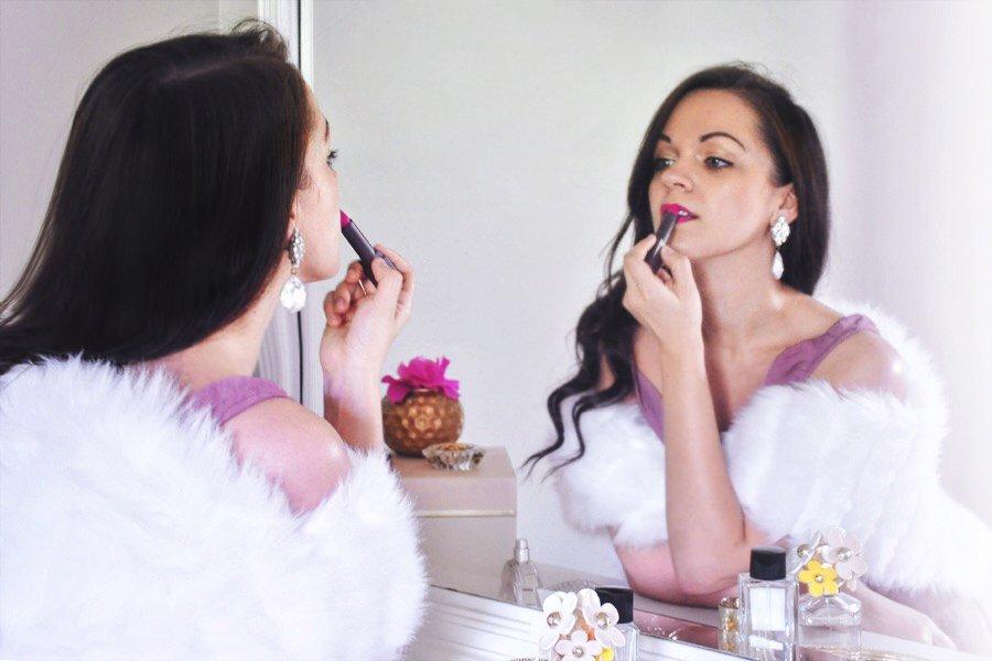 Simple Pleasures - Putting on Lipstick