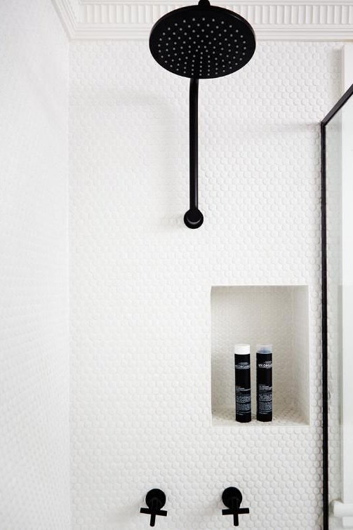 FOXY OXIE | Pretty Shower Nooks 3