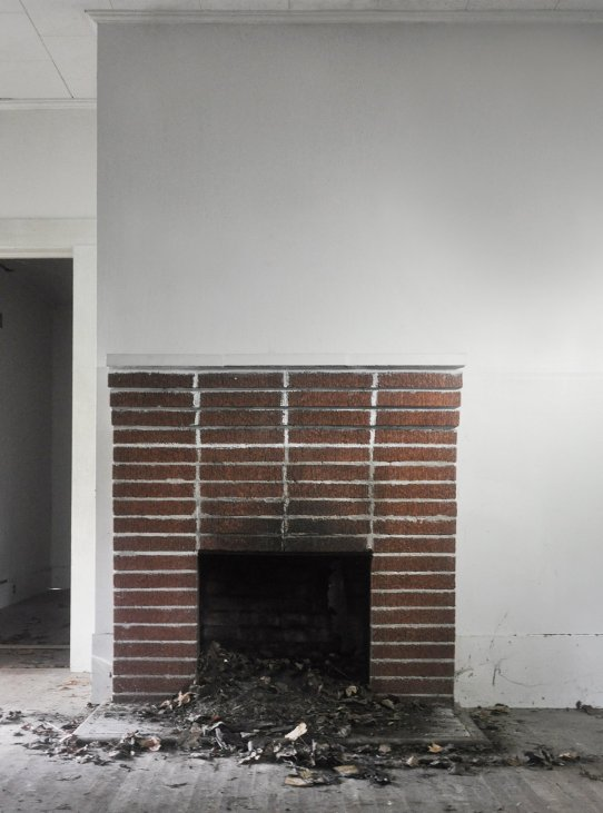 Surprising Fireplace Makeover Painting The Brick Fireplace White Home Interior And Landscaping Analalmasignezvosmurscom