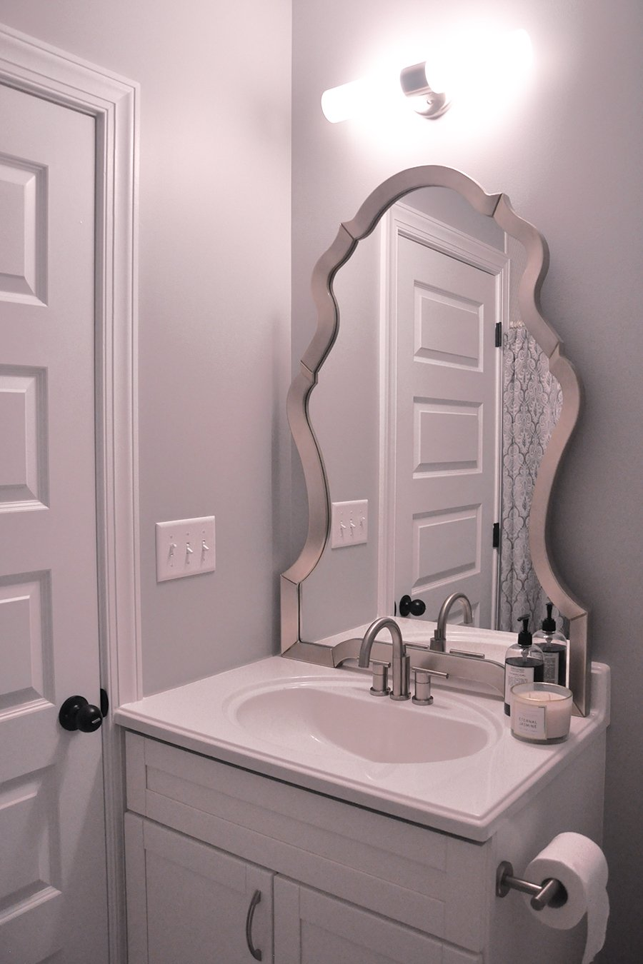 Create a Cozy and Inviting Guest Bathroom