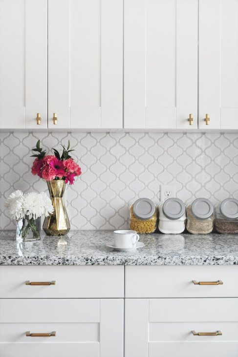 Peachy How To Tile A Kitchen Backsplash Diy Tutorial Sponsored By Home Remodeling Inspirations Genioncuboardxyz