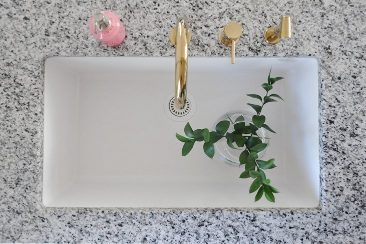 Making The Case For White Undermount Kitchen Sinks