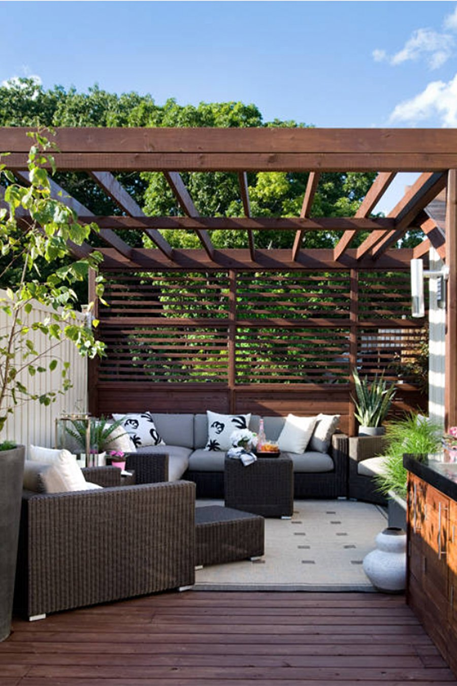 An Intimate Setting for Conversation - Outdoor Living: Dreamy Pergola Ideas For Our Deck